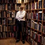 Peter Englund, fast sekretær og talsmand for det svenske Akademi, som uddeler Nobelprisen i Litteratur. Han er iøvrigt også historiker.