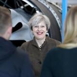 En målingsmåling fra instituttet Survation viser således tirsdag, at Theresa Mays parti har opbakning fra 47 procent af vælgerne.
