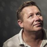 Kasi-Jesper (Jesper Laustrup Nielsen) har startet et nyt smykkefirma, Amazing Jewelry, der skal være smykkeverdenens svar på Zara og H&M. Fotograferet i mærkets flag-store på Strøget.