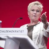 ARKIVFOTO: Budskabet fra LO-formand Lizette Risgaard til statsminister Lars Løkke Rasmussen (V) er ikke til at tage fejl af på arbejdernes internationale kampdag 1. maj: Nej til en højere pensionsalder.
