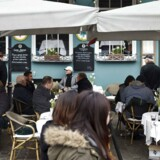 Antallet af københavnske cafeer og restauranter med udeservering er steget med 126 procent på fem år, ligesom food trucks, festivaler og markeder er blevet en fast del af bybilledet.