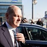 Som tysk finansminister bliver socialdemokraten Olaf Scholz en nøglefigur i de kommende forhandlinger om eurozonen med Frankrigs præsident Emmanuel Macron. Anonyme socialdemokrater betegner Scholz som både »klog og arrogant«.