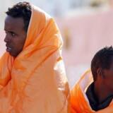 Migranter er netop ankommet til havnen i Pozzallo, Italien, 29. marts.