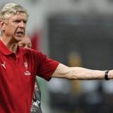Arsène Wenger erkender, at det har været hårdt for Arsenal-truppen at rejse langt mellem holdets træningskampe. Scanpix/Johannes Eisele