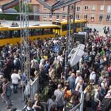 Det er ikke muligt for DSB at sige noget om, hvor store forsinkelser togproblemerne skaber i den tidlige morgentrafik fredag morgen.