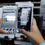 Verdens fjerdestørste mobilmærke er Oppo fra Kina, som er ret ukendt på disse kanter, men som bidrager til at sikre Android en endnu større markedsposition på mobilmarkedet. Arkivfoto: Beawiharta, Reuters/Scanpix