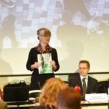 Dagpengekommissionen med professor Nina Smith som formand afrapporterer sit arbejde og præsenterer anbefalinger til dagpengesystemet.