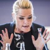 Folketingets Udlændinge- og Integrationsudvalg kaldte fredag endnu en gang udlændinge- og integrationsminister Inger Støjberg (V) i åbent samråd om beslutningen undtagelsesfrit at adskille ægtepar på asylcentre, hvor den ene ægtefælle er under 18 år. Foto: Ida Marie Odgaard/Scanpix 2017