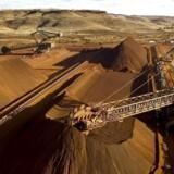 Svenske Sandvik, der blandt andet leverer produkter og services til den globale mineindustri, oplyser, at deres resultat for fjerde kvartal vil blive belastet.