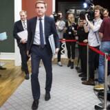 Dansk Folkeparti med Thuelsen Dahl i spidsen forladerforhandlingerne om skat og udlændinge i Statsministeriet. 11. december 2017.. (Foto: Jens Astrup/Scanpix 2017)