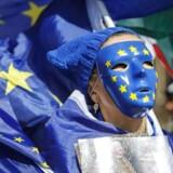 EU-borgere ser fordele for deres land i EU. Det viser EU's meningsmåling blandt 28.000 borgere i 28 lande.