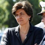 Frankrigs forsvarsminister, den tidligere europaparlamentariker Sylvie Goulard, har valgt at trække sig efter blot en måned på posten, fordi hendes parti MoDem undersøges for muligt misbrug af EU-midler. / AFP PHOTO / POOL / bertrand GUAY