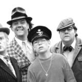 Egon Olsen får gade opkaldt efter sig i Oslo. Her ses et billede fra filmen »Olsen Banden på sporet«: Fra venstre ses: Ove Sprogøe (i rollen som Egon Olsen), Morten Grunwald (i rollen som Keld), Jes Holtsø (som Børge) og Poul Bundgaard (som Benny).