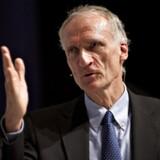 »Som repræsentant for både den lovgivende myndighed og den udøvende regeringsmagt bør Haarder nok genlæse sin magtfordelingsteori.«