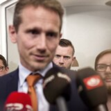 »Det er et farligt tilbud, som regeringen lokker danskerne med,« siger forbrugerøkonom om den aftale, som regeringen og Dansk Folkeparti tirsdag indgik.