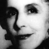Karen Blixen er hovedperson i tegneserien »Tannes liv i billeder«, hvori hun bliver begunstiget vuggegaver fra en løve, en stork, Djævelen selv og dennes overmand Friedrich Nietzsche. Her ses den legendariske danske forfatter på et udateret arkivfoto.