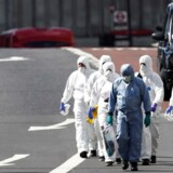 Police forensic investigators work on London Bridge after an attack left 7 people dead and dozens injured in London, Britain, June 4, 2017. REUTERS/Dylan Martinez
