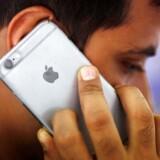 Hvis man vil være sikker på, at mobilen kan ringe fra både kælderen, stranden og langt uden for byerne, er det en god idé at holde sig væk fra Apples populære iPhone.