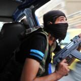 Ifølge Politiets Efterretningstjeneste er mindst 125 danskere rejst i krig i Syrien. 27 af dem er meldt dræbt, mens omkring 60 menes at være vendt tilbage til Danmark. Arkivfoto: Bulent Kilic/AFP