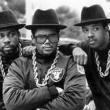 Hiphopgruppen Run DMC bestående af Darryl DMC McDaniels, nu afdøde Jason Mizell Jam Master Jay og Joseph Run Simmons. Til sommer giver gruppen koncert på Tinderbox. (Arkivfoto) Scanpix/Ukendt