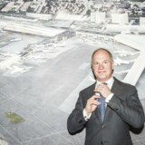 Adm. direktør Thomas Woldbye fra Københavns Lufthavne har besluttet at beholde tværbanen - omend i et lidt andet design.