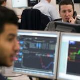 Arkivfoto. Pundet er tirsdag middag styrket til sit højeste niveau i to måneder, idet valutahandlerne sætter deres lid den britiske højesteret.