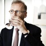 Carlsbergs topchef Cees 't Hart opjusterer forventningerne marginalt i Carlsberg, efter Østeuropa har klaret sig bedre end forventet.