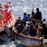 Strømmen af migranter fra Afrika giver hovedbrud i EU, men der er ingen mirakelløsninger på problemerne. Foto: Petro Armestre/AFP