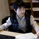 Fra 2005 frem til 2011 skete der en markant stigning i antallet af højtuddannede arbejdskraftindvandrere. Samtidig faldt antallet af højtuddannede danskere, der rykker teltpælene til udlandet. Her ses den kinesiske ingeniør Linbo Lu, der arbejdet i en lille ingeniør virksomhed i Snoldelev.