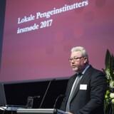 Formand Claus E. Petersen fra Den Jyske Sparekasse åbner LOPIs årsmøde i Aalborg.