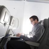 Amerikanerne frygter, at bl.a. bærbare computere i kabiner om bord på fly kan blive brugt til terror.