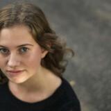 16-årige Amalie Egeskov har angst. Amalie bor med sin familie i Them syd for Silkeborg og går i skole på Th Langs Skole i Silkeborg. Det skolen og de forventninger hun møder i skolen, der har givet hende angst. Til BM