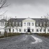 Den fallerede svineproducent Bernhard Mortensens palæet - i folkemundet kaldet »Lille Amalienborg« - der er opført i 2004.