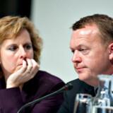 Det, der skulle have været Connie Hedegaard og Lars Løkke Rasmussens politiske svendestykke, falder nu fra hinanden.