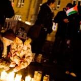 Mange steder i verden markeres sympatien for ofrene i Gaza. Her på Københavns Rådhusplads