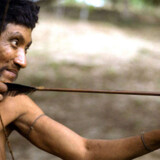 En Awá-man fotograferet i april 2000.