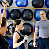Søstrene Marla og Anna Calezza træner en gang om ugen sammen med en personlig træner, Jesper Mouritzen.