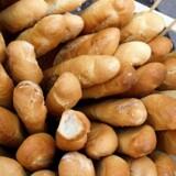 """Ved tilsætning af rosmarin til dej, før en portion hvedeboller blev bagt ved 225 grader, var et indhold på 1 procent af dejen nok til at reducere indholdet af akrylamid """"signifikant"""", skriver DTU. Det turde dog også være nok til krydderurtens smag træder kraftigt igennem, hvilket måske ikke er en ønsket effekt i alle typer bagværk."""