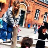 På Rådmandsgade Skole på Nørrebro har tre ud af fire elever en ikke-dansk baggrund. Deres skoleinspektør, Lise Weber Egholm, er tilhænger af en begrænsning af børnefamiliers frie skolevalg.