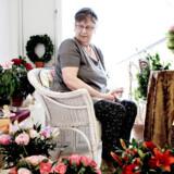 Jill Jensen har ældreboligen på Solbakken i Korsør fyldt op med blomster efter 80-års dagen i lørdags. Hun og ægtemanden Ejvind føler sig trygge på Solbakken, og ved, at de kan få en plejebolig samme sted, hvis helbredet gør det nødvendigt.