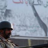 Omfattende uroligheder er brudt ud efter drabet på Benazir Bhutto.  Mindst 58 er dræbt og militær er kommanderet ud i gaderne.