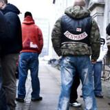 Hells Angels-medlemmer og støtter var fredag mødt op ved dommervagten. Foto: Claus Bjørn Larsen
