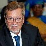 Det Det bliver ikke udenrigsminister Per Stig Møller (K), men en ambassadør, der skal repræsentere Danmark på FNs omstridte racismekonference.