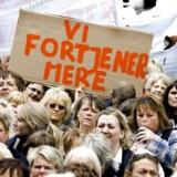 Offentligt ansatte i demonstration for mere i løn. Arkivfoto: Henning Bagger