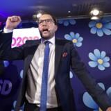 Sverigedemokraternas partileder Jimmie Akesson holder tale under søndagens valg.