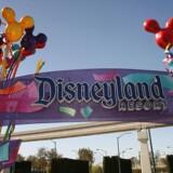 Disneyland i Californien har droppet sin skatteaftale med staten. Kritikere ser forsøg på at undgå mindsteløn.