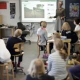 Regeringen vil åbne en tredje skolevej i form af en hybrid mellem folkeskolen og privatskolen.