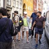 Hannibal Holt, Søren Rud og Svend Hugo mener, at det er på tide at regulere antallet af turister i den gamle middelalderby i København. Flere beboerforeninger i indre by er enige i, at turisterne fylder for meget i det gamle København.