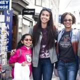 Berlingske har mødt Magdalyn Brown, Shannon Villanueva, Toi Brown og Victoria Palmquist, der har købt souvenirs med hjem til Texas.