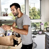 Matthew Daniali køber primært økologisk ind, han har droppet oksekødet og planlægger en togrejse næste sommerferie.